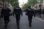 Париж полиция кызматкерлери. Архивдик сүрөт