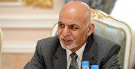 Президент Афганистана Ашраф Гани во время встречи с премьер-министром Сооронбаем Жээнбековым в рамках участия в Саммите стран-участниц энергетического проекта CASA-1000 в Душанбе