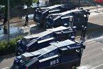 Сотрудники правоохранительных органов на акции протеста во время проведения саммита G20 в Гамбурге. Архивное фото