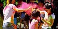 Фестиваль красок в Бишкеке. Архивное фото