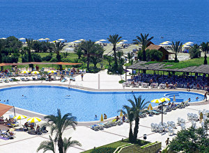 Отдыхающие на курорте в Турции. Архивное фото