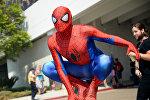 Человек одетый как Человек-паук на ежегодном фестивале Comic-Con. Архивное фото