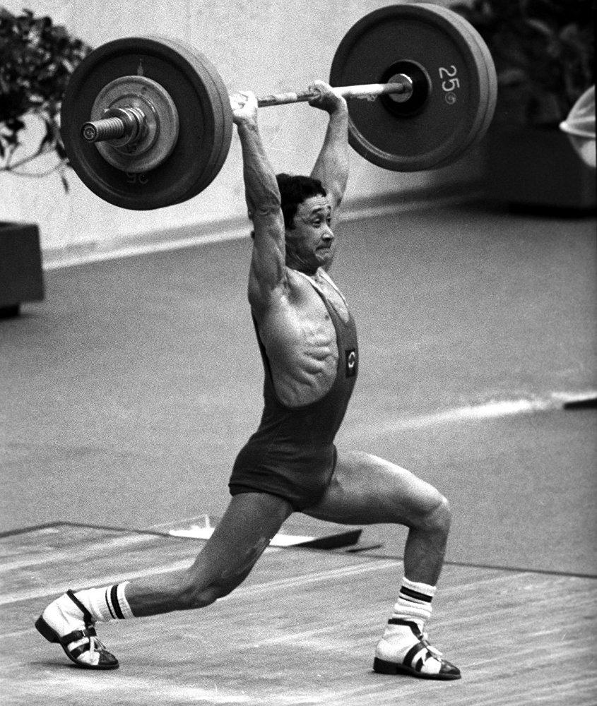 Олимпийский чемпион Каныбек Осмоналиев