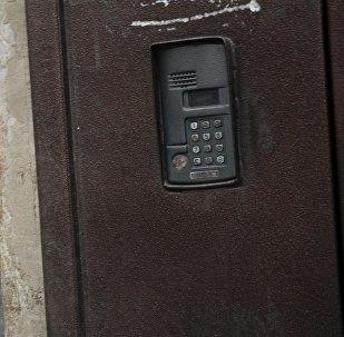 Домофон в жилых домах Бишкека. Архивное фото