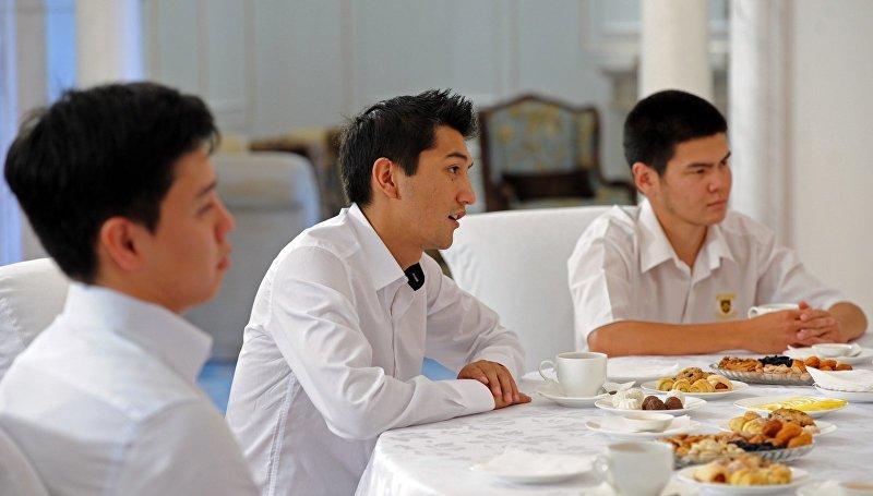 Участники команды КВН Азия MIX. Архивное фото