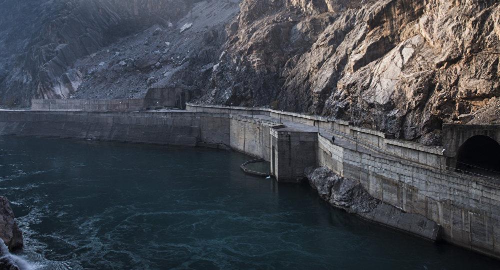 Нарын дарыясындагы ГЭС. Архивдик сүрөт