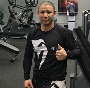 Мастер спорта международного класса по кикбоксингу Мирбек Суюнбаев