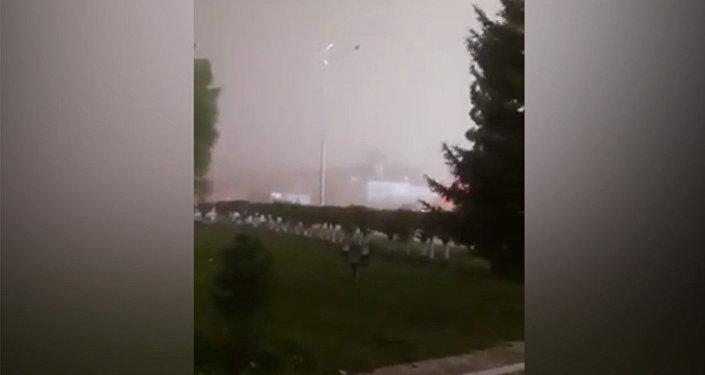 Конец света? — видео очевидцев жуткого урагана в Казахстане