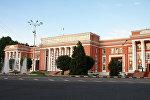 Таджикстандын парламентинин имараты. Архив
