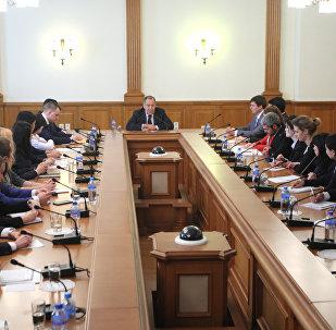 Глава МИД РФ на форуме молодых дипломатов в Москве