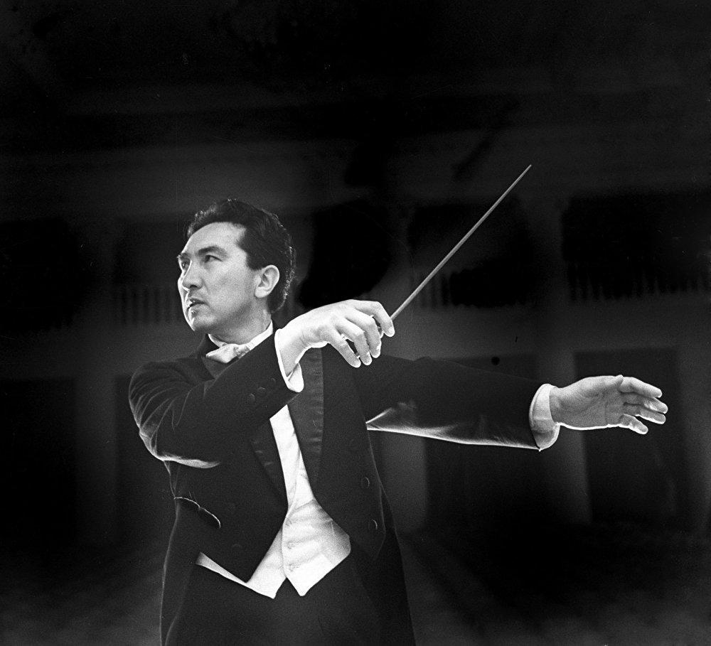 Дирижёр Токтогул, Жамийла, Дон Карлос, Ромео жана Жульетта өңдүү 50дөн ашык опера жана балетти оркестрге салган