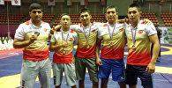 Спортсмены из Кыргызстана завоевавшие медали на Чемпионате Азии по греко-римской, вольной и женской борьбе среди кадетов