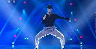Все в восторге! 55-летний уборщик из Китая танцует, как Майкл Джексон