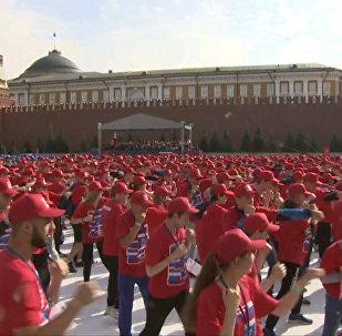 В центре Москвы собрались 3 тыс боксеров — видео с Красной площади
