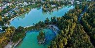 Вид с высоты на озера в Карагачевой роще. Архивное фото