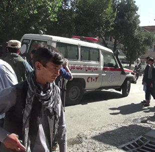 Смертник на автомобиле подорвался в Кабуле. Кадры с места ЧП
