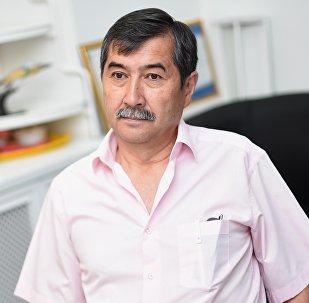 Эксперт Мурат Сүйүнбаевдин архивдик сүрөтү