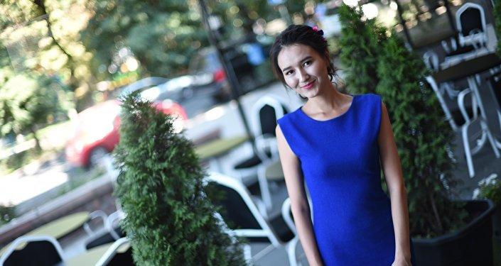 НТС телеканалынын Таң шоола берүүсүнүн алып баруучусу Канышай Рысбаева