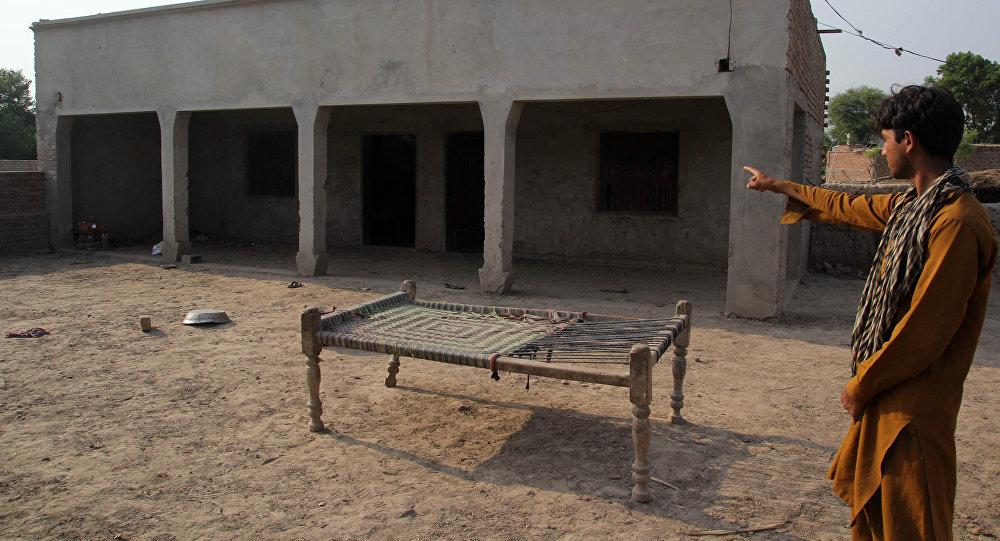 Жительницу Пакистана изнасиловали порешению сельского совета