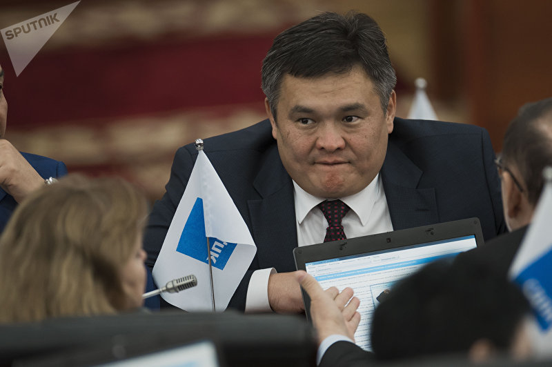 Депутат ЖК 6 созыва Марат Аманкулов от фракции СДПК на заседании. Архивное фото