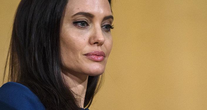 Архивное фото американской актрисы Анджелины Джоли