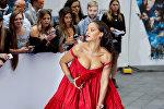 Певица Рианна позирует на европейской премьере фильма Валериан и город тысяч планет в Лондоне. Великобритания 24 июля 2017 года