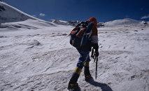 Восхождение инвалидов на вершину горы Казбек