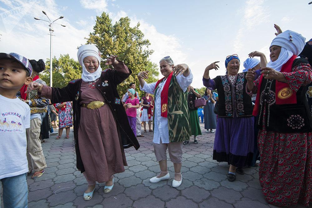 Международный фестиваль ремесленников Оймо в Бишкеке
