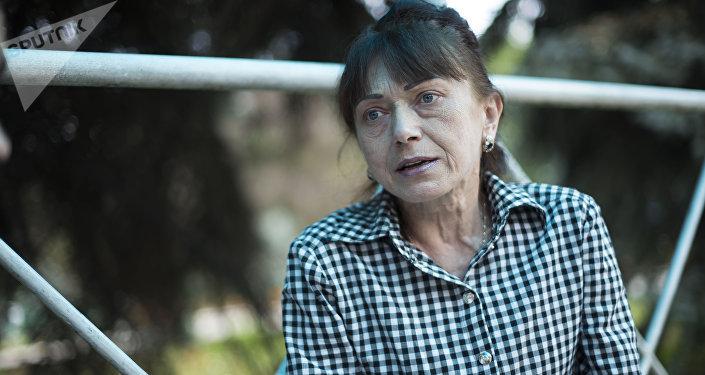 Глава общественного фонда Альтернатива в наркологии Ирина Пугачева во время интервью