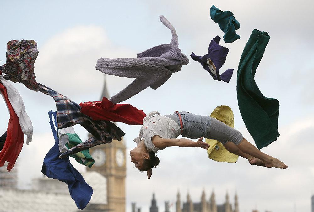 Выступление цирковых артистов в Лондоне