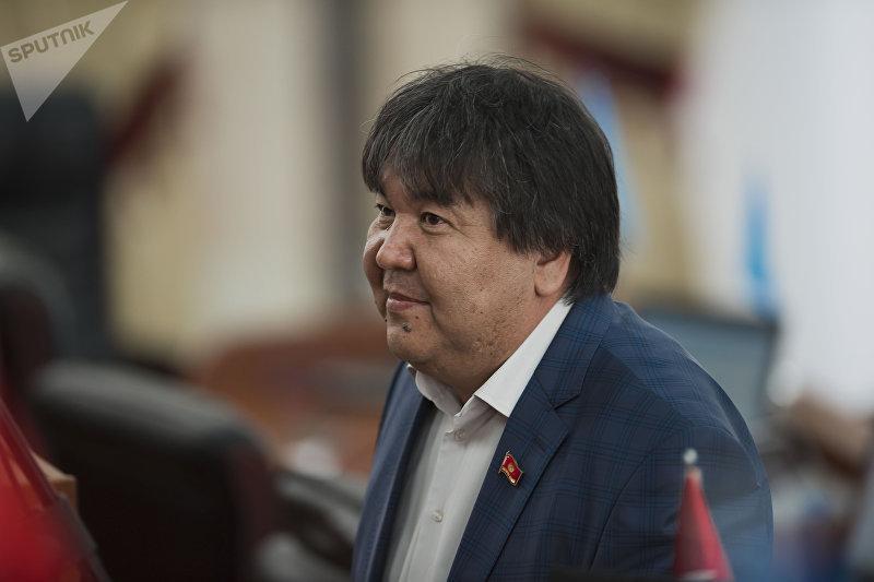Депутат ЖК 6 созыва от фракции Ата Мекен Садык Шер-Нияз . Архивное фото