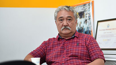 Архивное фото политолога и эксперта Бакыта Бакетаева