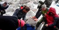 Кыргыз аскерлери Ала-Арчадан россиялык альпинистти аман алып калышты. Видео
