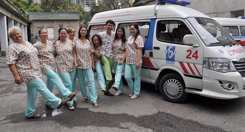 Бишкекскую станцию скорой медицинской помощи переодели в разноцветную форму