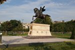 Памятник Манасу в парке Сутлуже Стамбула