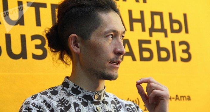 Дизайнер Миррахим Опош