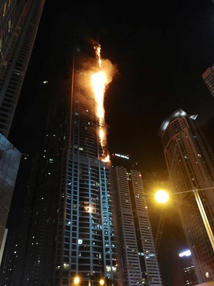 Дубайда 79 кабаттуу Torch Tower имаратында өрт чыкты. Тилсиз жоо көп чыгым алып келбестен тез эле өчүрүлгөн. Белгилей кетсек, аталган имаратта 2015-жылы дагы өрт чыккан