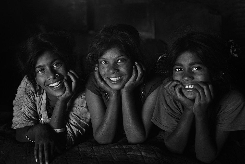 Биздин замандын баатыры. Сүрөт сериясы номинациясында бангладештик фотограф Шахневаз Хан Беззвучный крик эмгеги менен үчүнчү орунду алды