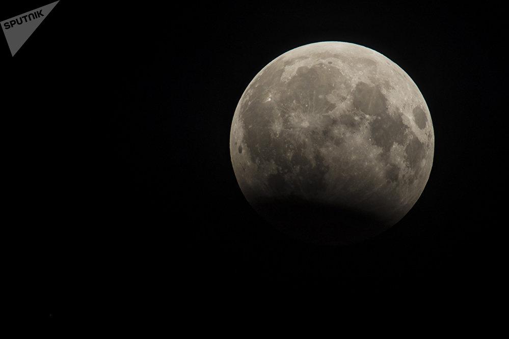 Лунное затмение в Кыргызстане