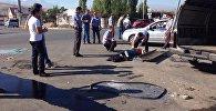 Бишкектеги Түштүк магистралда жүргүнчү ташыган маршрутка менен Volkswagen Transporter кагышты