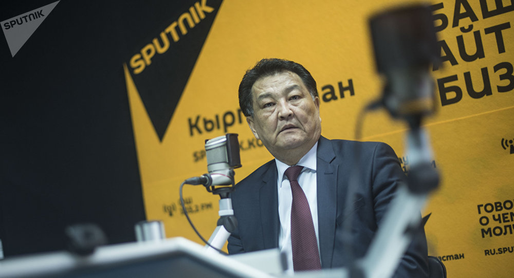 Архивное фото министра здравоохранения Кыргызстана Талантбека Батыралиева