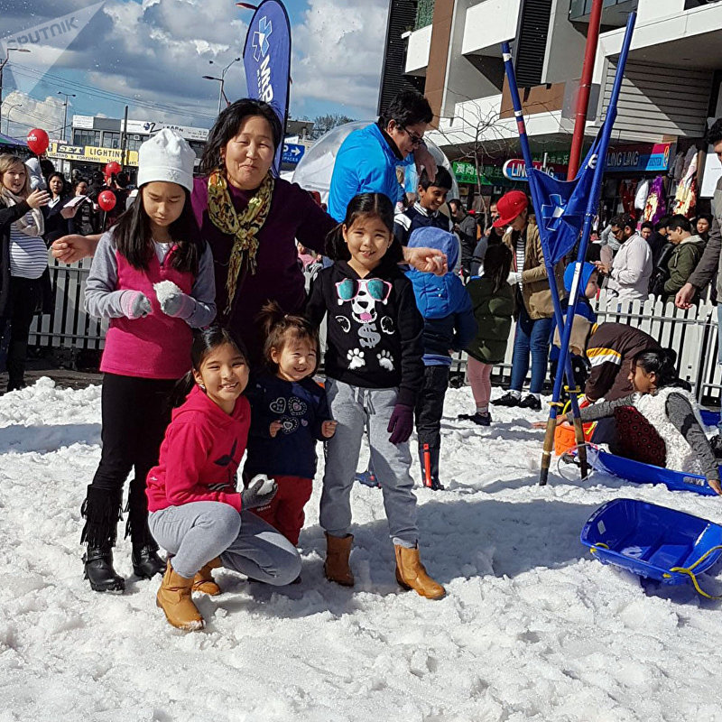 Кыргызская семья Мааданбековых во время зимних каникул в Австралии
