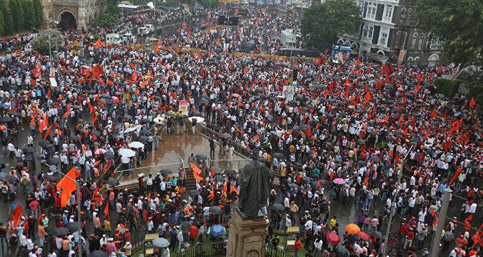 Представители этнической группы маратхи на митинге в Мумбаи (Индия)