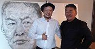 Кыргызстандык сүрөтчү Азамат Жаналиев Монголиянын жаңы шайланган президенти Халтмаагийн Баттулга менен жолугуп, ага мык жана жип (стринг арт) менен тартылган сүрөтүн белек кылды