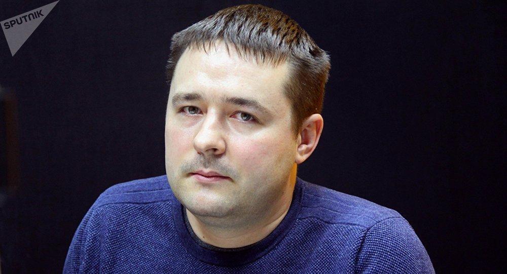 Архивное фото активиста Максима Золотых