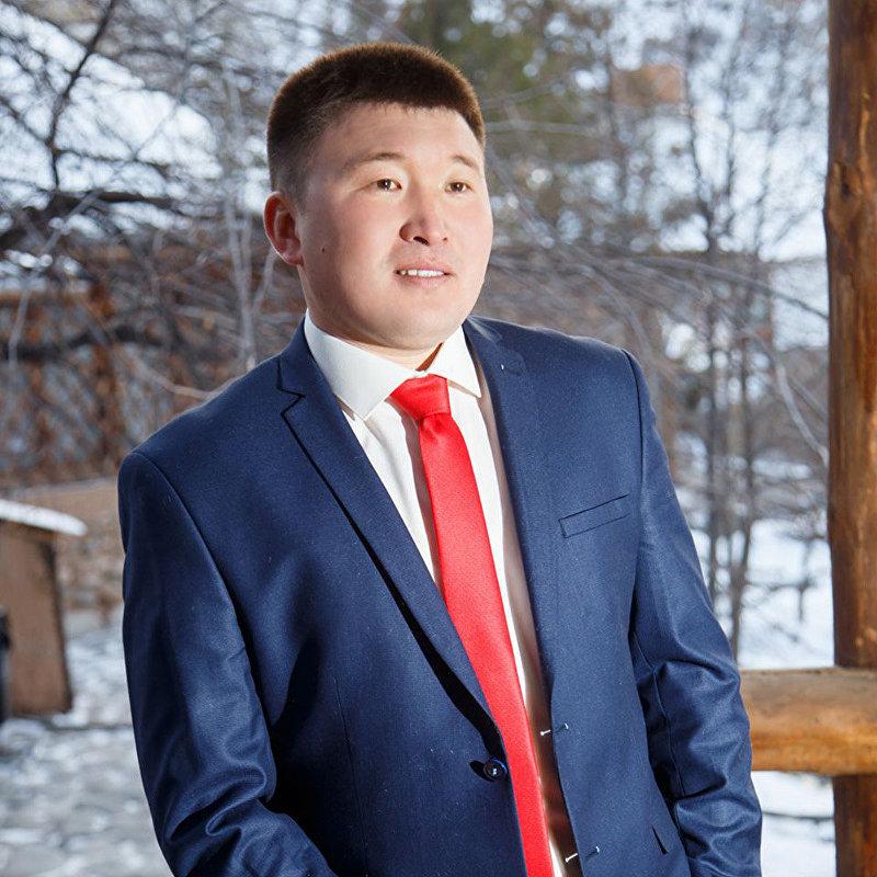 Молодой политик, лидер молодежного крыла СДПК Ренат Самудинов