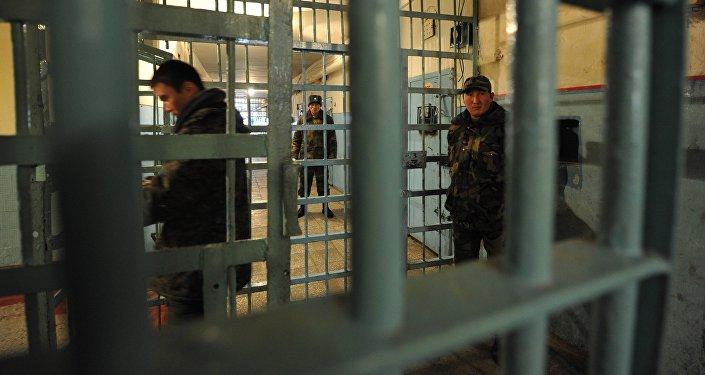 Сотрудники ГСИН следственного изолятора в Бишкеке. Архивное фото
