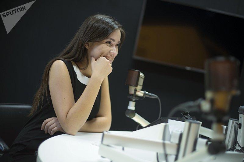 Корреспондент ИА Sputnik Кыргызстан Светлана Федотова во время интервью