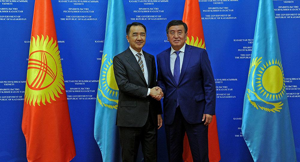 Кыргызстандын премьер-министри Сооронбай Жээнбеков менен Казакстандын өкмөт башчысы Бакытжан Сагинтаевдин жолугушуусу учурунда