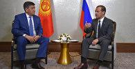 Председатель правительства РФ Дмитрий Медведев и премьер-министр Кыргызстана Сооронбай Жээнбеков во время встречи на полях заседания Евразийского межправительственного совета.